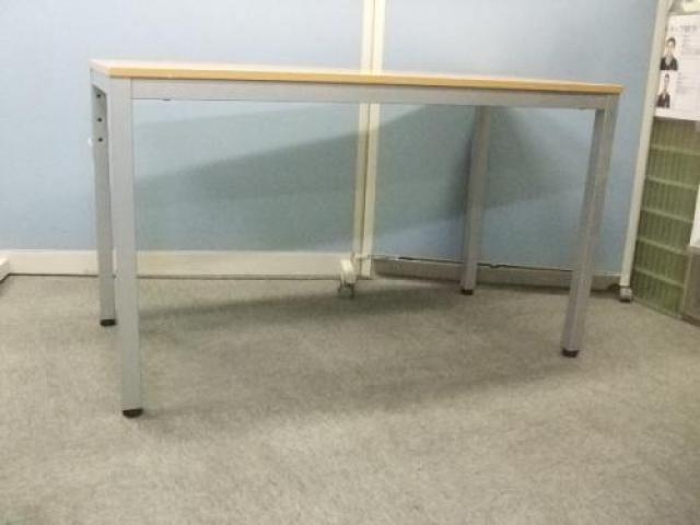 コクヨ(KOKUYO)製 テーブル                                     中古