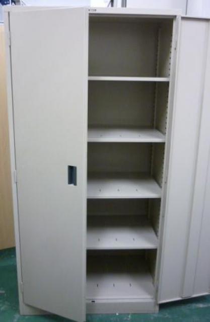 【コクヨ製】両開き書庫 背が高すぎず、書類の出し入れがしやすいです!                                     中古