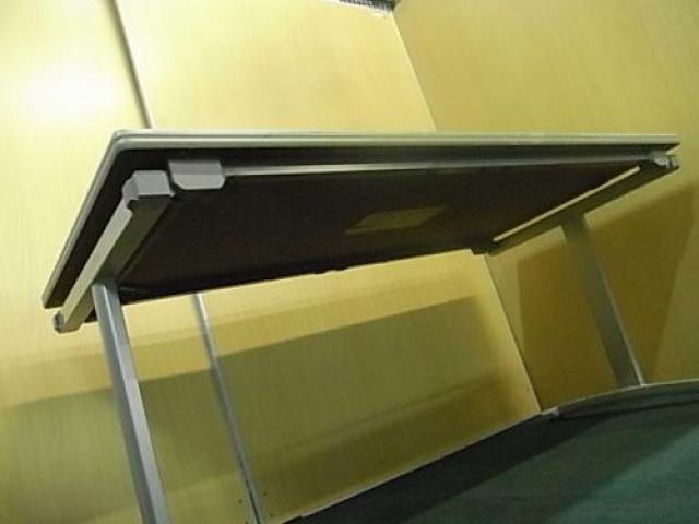 【希少!】■KOKUYO ■折りたたみ式 会議テーブル ■幅1500mm 〜4名様での会議に適正人数〜                                     中古