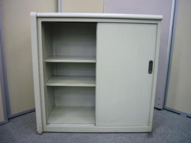 【プラス製:収納完備されたハイカウンターです。型は古めですが、何かと役に立つ代物です】                                     中古