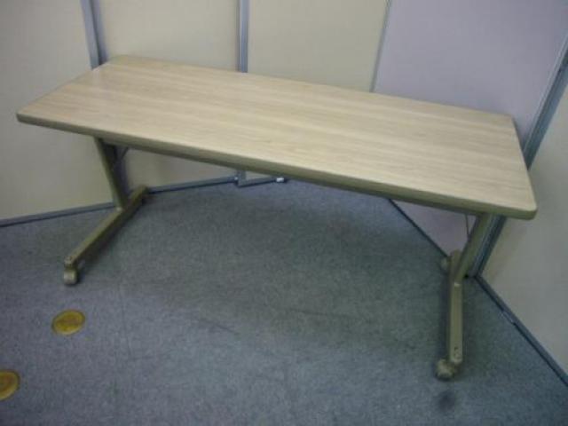 PLUS サイドスタックテーブル 折りたたみ楽チン!綺麗な木目調のテーブルです♪                                     中古