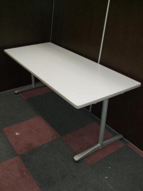 【6名様用ミーティングテーブル】省スペースなスリムタイプ!                                     中古