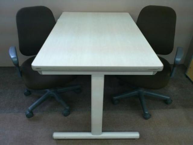 ■ミーティングセット テーブル+チェア2脚                                     中古