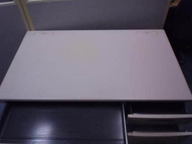 【大量入荷41台入荷】■ Kokuyo コクヨ製 ■ BS+シリーズ ■ 片袖デスク W1200mm ■ シンプルで優れた実用性 ■ 【ぞくぞく】                                     中古