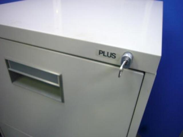 【プラス製A4ファイルキャビネット4段タイプ。ファイル収納も、これ一台でOK】                                     中古