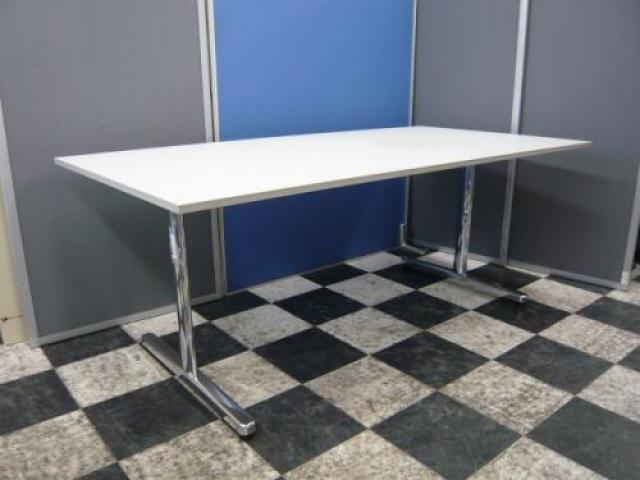 ■内田洋行■会議用テーブル■【ホワイトで明るく】                                     中古