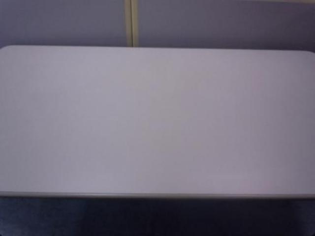 【1台入荷!】ミーティングテーブル ■幅1800mm 奥行き900mm ■8〜10名様に◎ ■合わせてホワイトボードも!                                     中古