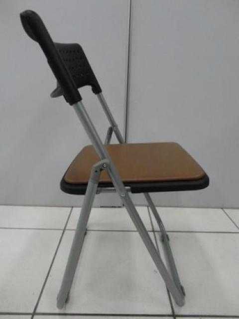 ■折り畳み椅子4脚セット 【セット商品】【会議チェア】                                     中古